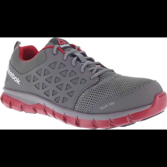 5e681c46b Reebok mens 9.0 alloy toe gym shoes NWT